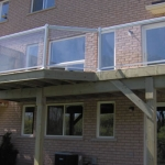 28 - Glass Aluminum Railing..jpg