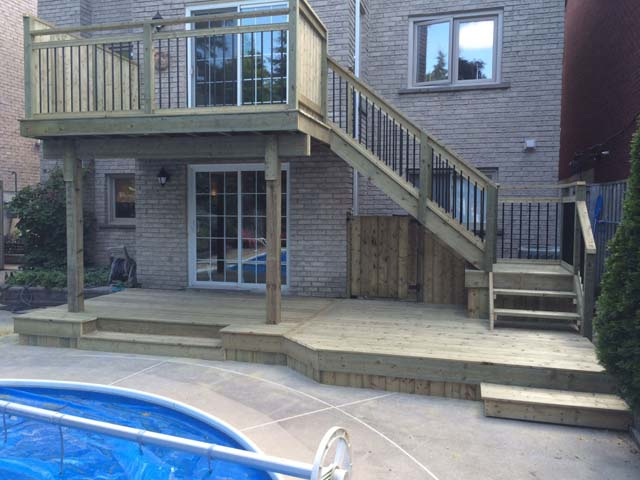 04 - 2 tier PT deck, aluminum railing.jpg