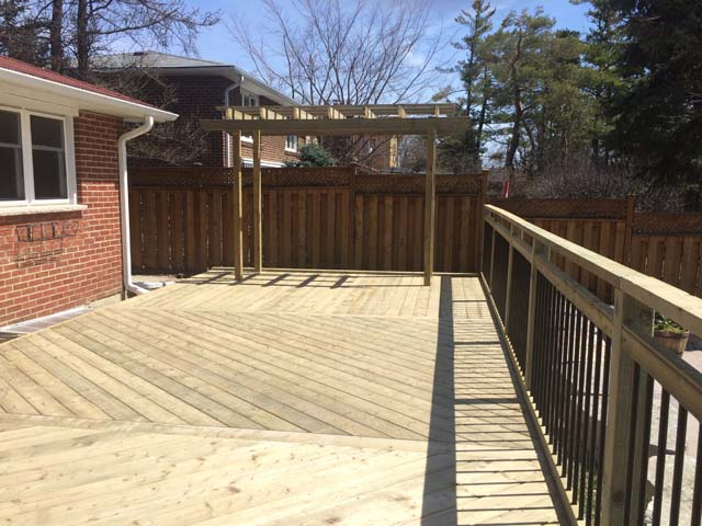 76 - PT angle deckin, aluminum railing.jpg