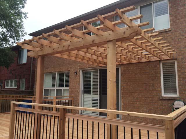03 - Cedar trellis, aluminum railing.jpg
